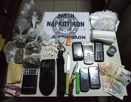 Τρεις συλλήψεις για οπλοκατοχή και ναρκωτικά στα Τρίκαλα