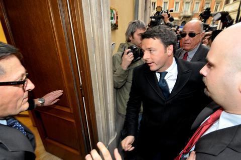 Οριστικοποιήθηκε η συμφωνία Ρέντσι-Μπερλουσκόνι για τον εκλογικό νόμο
