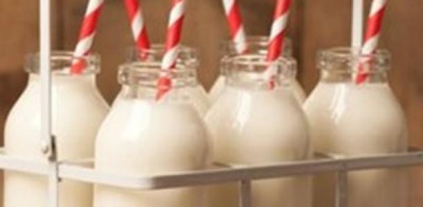 Λάρισα: Οι κτηνοτρόφοι σήμερα δεν θα σκορπίσουν αλλά θα μοιράσουν γάλα!