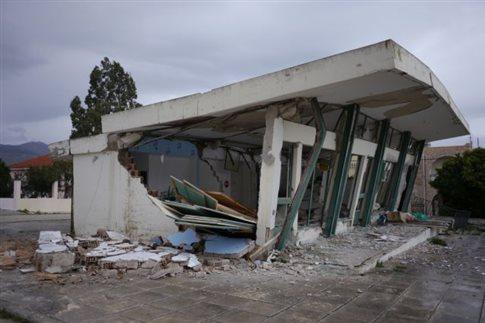 Κεφαλονιά: «Θερμή» υποδοχή στον Ν.Δένδια από τους σεισμόπληκτους