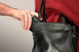 Άρπαξε την τσάντα 78χρονης Τρικαλινής αλλά συνελήφθη