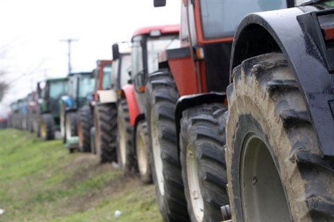 «Επικοινωνιακές» χαρακτηρίζουν οι αγρότες τις εξαγγελίες της κυβέρνησης