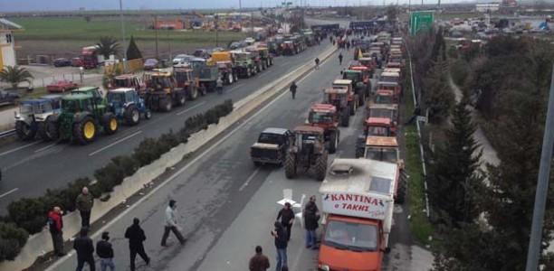 Λεωφορεία για το συλλαλητήριο στο μπλόκο της Νίκαιας