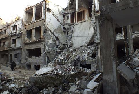 Συρία: Ξεκινά ο απεγκλωβισμός των αμάχων στη Χομς