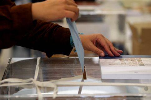 Τέλος στη συμμετοχή ομογενών και νομίμων μεταναστών στις δημοτικές εκλογές