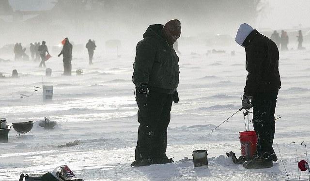 Ο μεγαλύτερος διαγωνισμός ψαρέματος στον πάγο (φωτογραφίες)