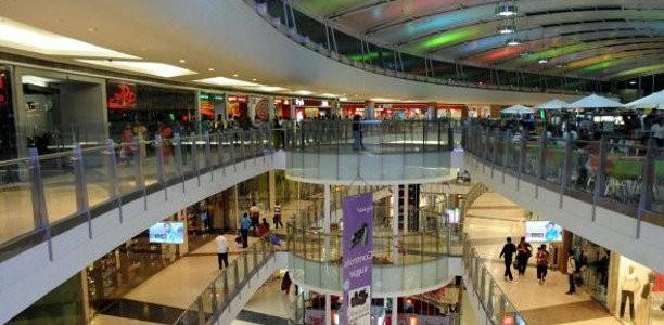 Έρχεται open mall και στη Λάρισα