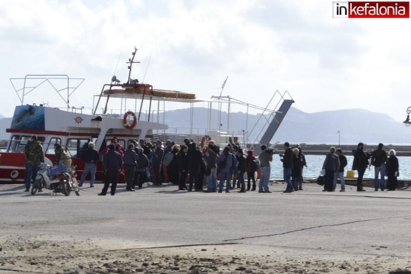 Οι πρώτες εικόνες από το κρουαζιερόπλοιο που φιλοξενεί σεισμοπαθείς (βίντεο και φωτό)