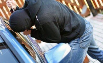 Κλοπή από αυτοκίνητο 28χρονης Λαρισαίας