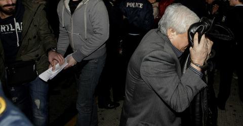 Αποκηρύσσουν τον συλληφθέντα συνδικαλιστή ΠΑΣΟΚ - ΚΚΕ