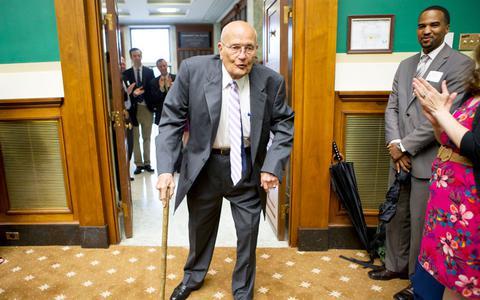 ΗΠΑ: Βγαίνει σε σύνταξη το μακροβιότερο μέλος της Γερουσίας