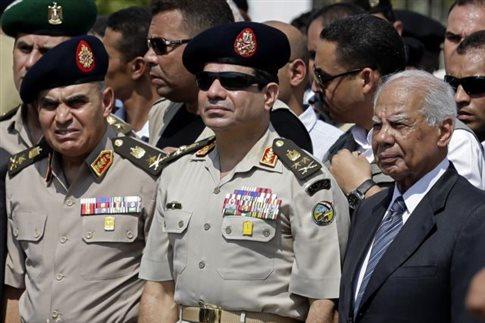 Παραμένουν ορισμένοι υπουργοί στη νέα αιγυπτιακή κυβέρνηση -ίσως κι ο Σίσι