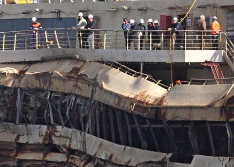 Ιταλία: Για πρώτη φορά στο ναυάγιο του Concordia ο καπετάνιος Σκετίνο