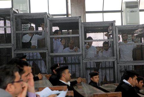 Επαναλαμβάνεται η δίκη κατά δημοσιογράφων του Al Jazeera στην Αίγυπτο