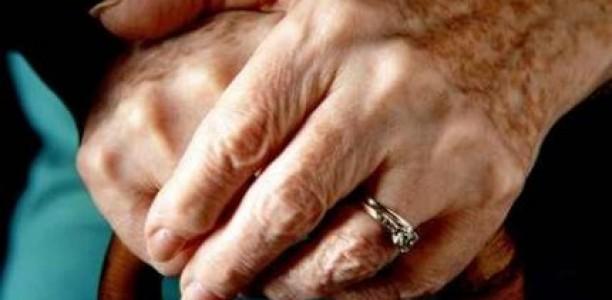 Έδειραν και φίμωσαν ζευγάρι ηλικιωμένων στη Νέα Λεύκη Λάρισας