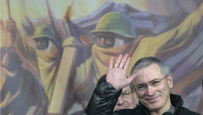 Αίτηση για μόνιμη εγκατάσταση στην Ελβετία υπέβαλε ο Χοντορκόφσκι