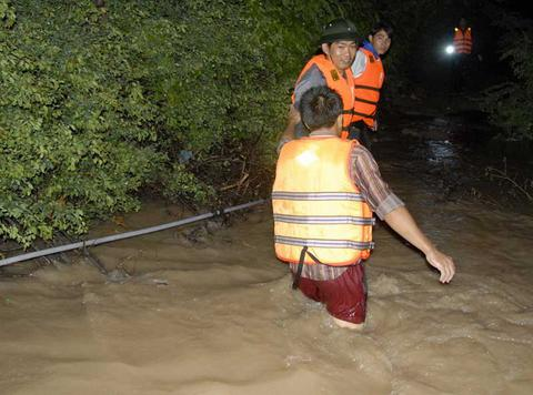 Βιετνάμ: Η άμμος «κατάπιε» πέντε εφήβους