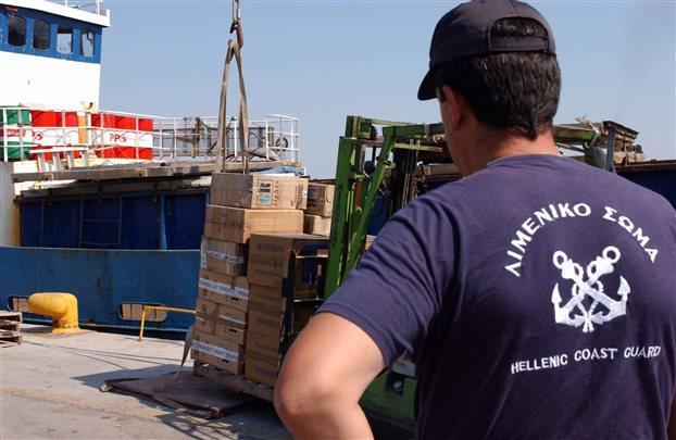 Μεγάλη ποσότητα λαθραίων τσιγάρων στο λιμάνι του Πειραιά