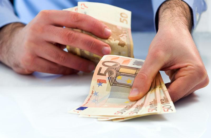 Τον Απρίλιο θα χορηγηθούν τα οικογενειακά επιδόματα ΟΓΑ σε 695.000 δικαιούχους