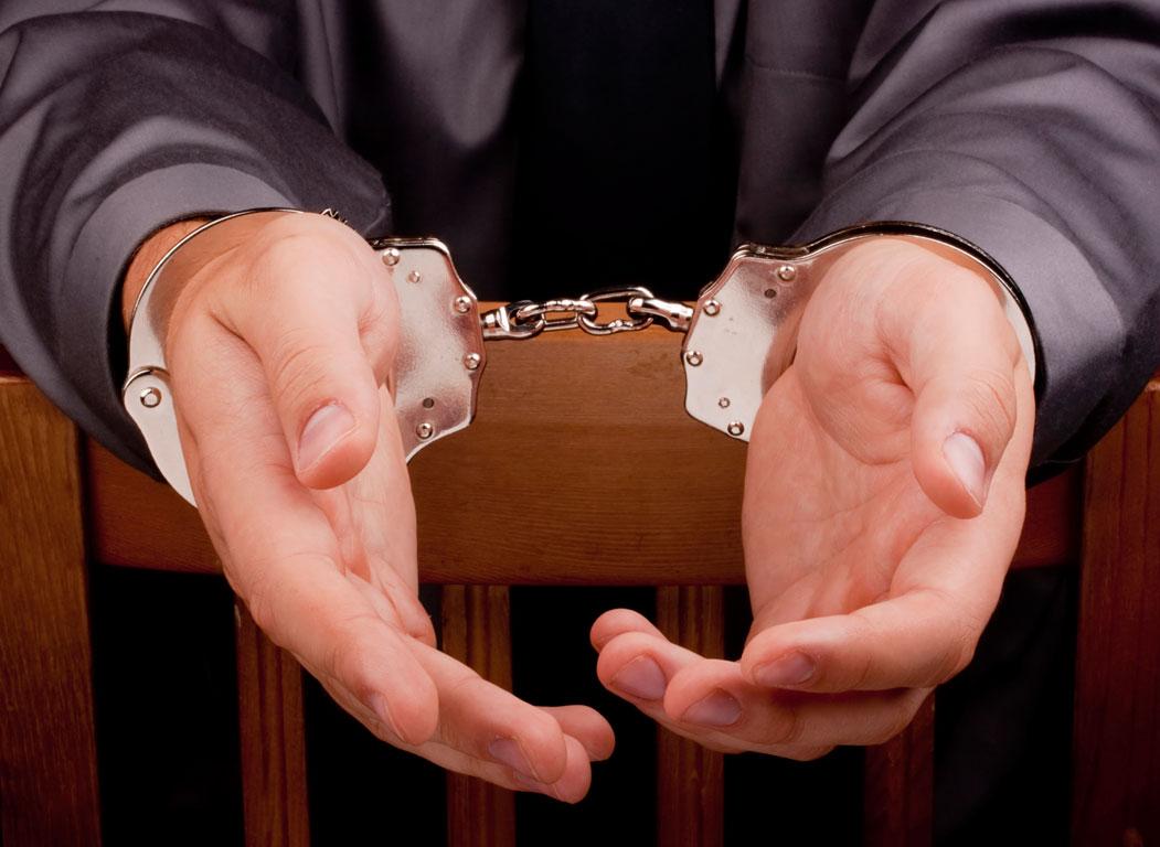 Χειροπέδες σε 69χρονο Λαρισαίο για οφειλές 2,6 εκ. ευρώ