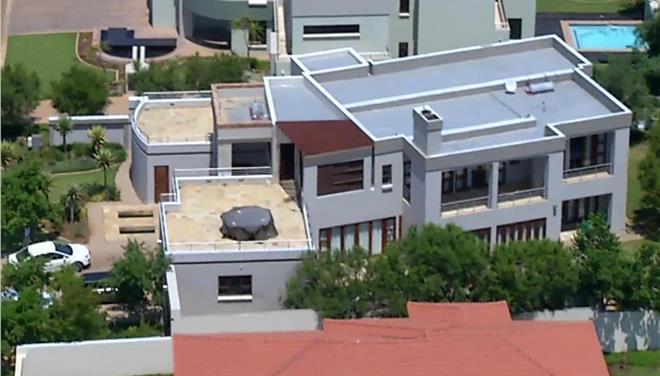 Πωλητήριο στο σπίτι του φονικού βάζει ο Πιστόριους για να καλύψει τα έξοδα υπεράσπισης