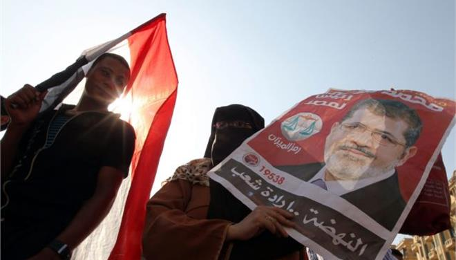 Αίγυπτος: Ακόμη 700 υποστηρικτές του Μόρσι παρουσιάζονται σήμερα ενώπιον του δικαστηρίου