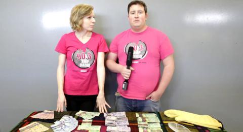 Οργή στον Καναδά για τα καμένα μετρητά ραδιοφωνικού σταθμού