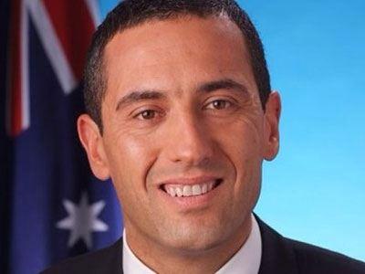 Ο ομογενής που ανέλαβε έξι υπουργεία στη Ν. Αυστραλία!