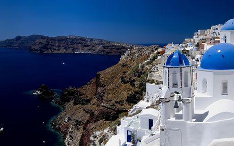 Δύο ελληνικά νησιά στη λίστα με τους τοπ προορισμούς για γκέι ζευγάρια