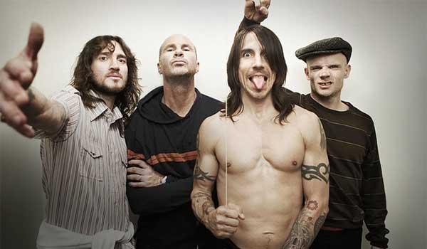 Ετσι ανακρίνει τρομοκράτες η CIA -Kάνει βασανιστήρια και τους βάζει να ακούν πολύ δυνατά Red Hot Chili Peppers