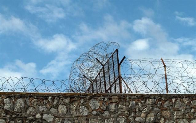 Σε αργία οι σωφρονιστικοί υπάλληλοι που κατηγορούνται για τον ξυλοδαρμό του Καρέλι