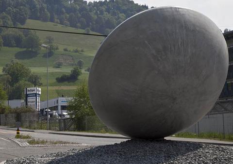 Βράβευσαν οι Ελβετοί το γλυπτό του Βαρώτσου στη Λουκέρνη