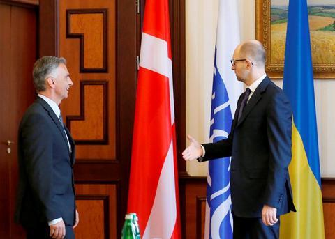 Ουκρανία: Υποδέχθηκαν τον πρόεδρο της Ελβετίας με λάθος σημαία