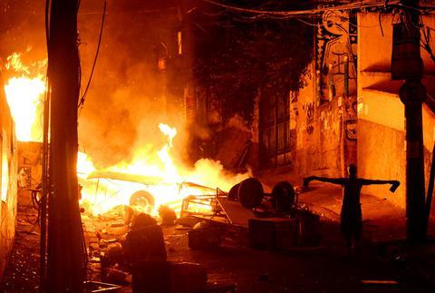Βραζιλία: Ταραχές μετά τον ξυλοδαρμό μέχρι θανάτου χορευτή από αστυνομικούς