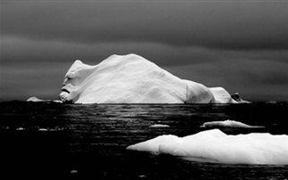 Συναγερμός για γιγαντιαίο «αδέσποτο» παγόβουνο