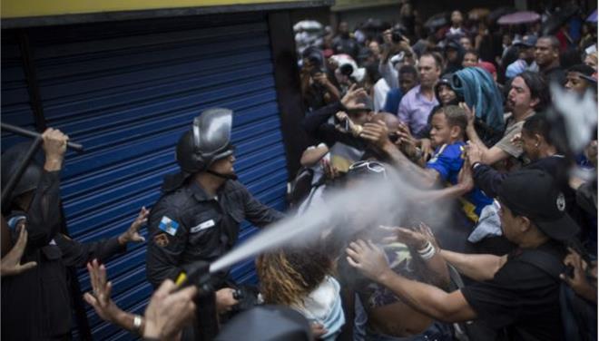 Βραζιλία: Eξι αστυνομικοί παραδέχτηκαν ότι άνοιξαν πυρ στη φαβέλα του Ρίο όπου σκοτώθηκε ο χορευτής