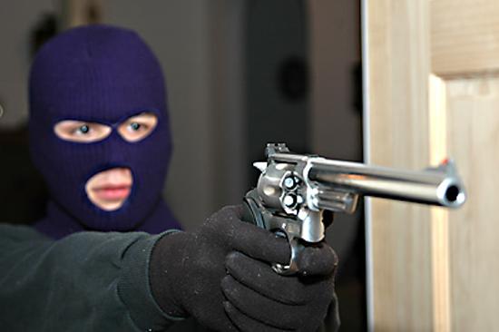 Ένοπλη ληστεία σε τράπεζα στη Λάρισα