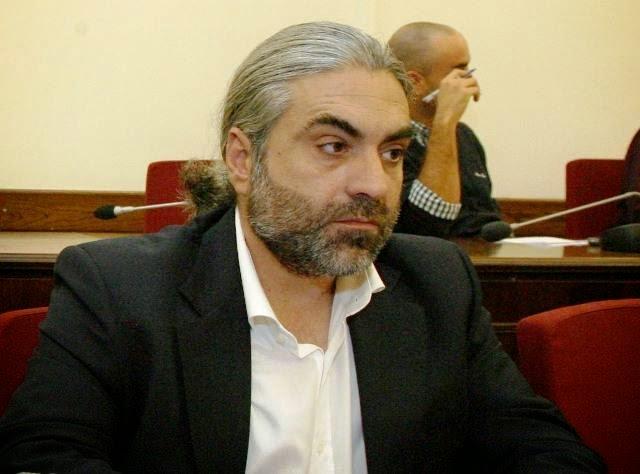 Χρυσαυγίτες απειλούν τηλεφωνικά τον Χρυσοβαλάντη Αλεξόπουλο, τον βουλευτή που παραιτήθηκε από τη ΧΑ