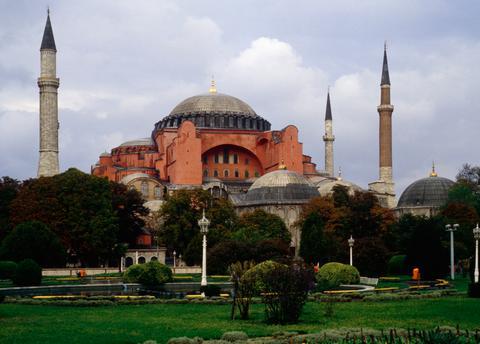 Προσευχές στην Αγιά Σοφιά στις εκδηλώσεις της Αλωσης σχεδιάζει ο Ερντογάν