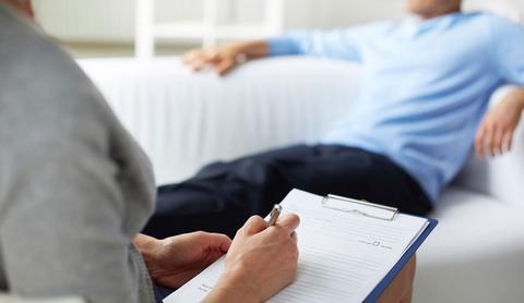 Ψυχοθεραπεία με... γιόγκα για 83χρονο σε ιδιωτικά κέντρα