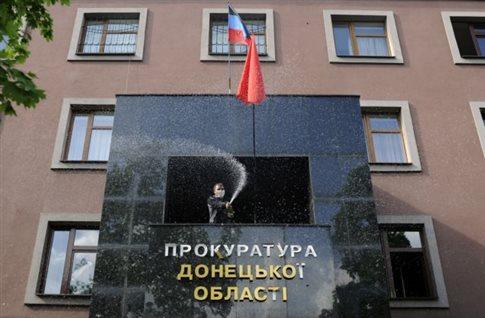 Μόσχα: Το Κίεβο «έθαψε κάθε ελπίδα ειρήνευσης» στην ανατολική Ουκρανία