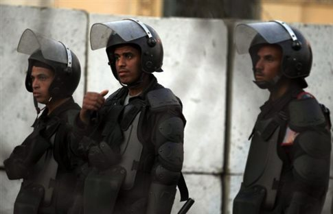 Δύο ξεχωριστές βομβιστικές επιθέσεις στην Αίγυπτο με θύματα ενστόλους