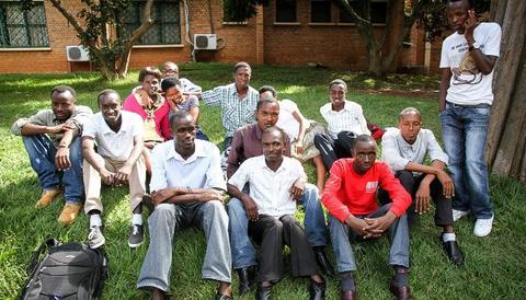 Ενας 23χρονος με 24 παιδιά - Οι νέες οικογένειες των ορφανών της Ρουάντα