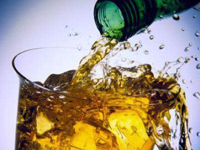Μείωση προστίμων για παραβάσεις παραγωγής και εμπορίας αλκοολούχων ποτών