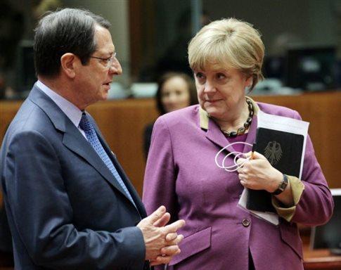 Ενεργότερο ρόλο της ΕΕ στο Κυπριακό ζητούν Μέρκελ και Αναστασιάδης