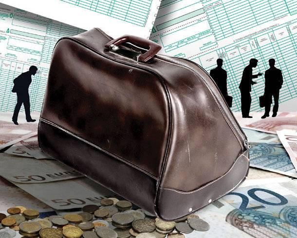 Οι βασιλιάδες της φοροδιαφυγής: Διαφημιστές, εργολάβοι και γιατροί