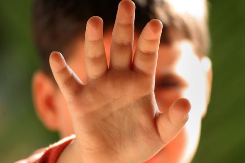 Τρίκαλα: 42χρονος κακοποίησε 10χρονο σε παράπηγμα