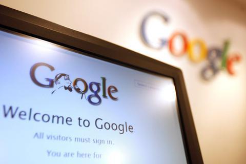 Οι ψηφοφόροι «τσεκάρουν» κόμματα και υποψηφίους στο Google