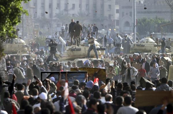 Χάος στο Κάιρο με ένα νεκρό