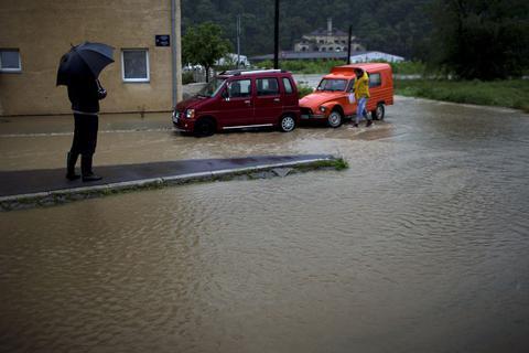 Σερβία: Δύο νεκροί από τις πλημμύρες